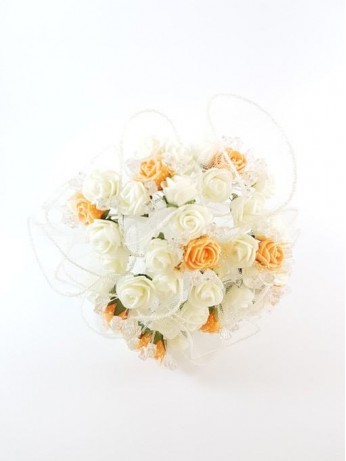 Прекрасен сватбен букет за хвърляне от рози модел 14