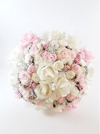 Великолепен булчински букет от рози модел 8