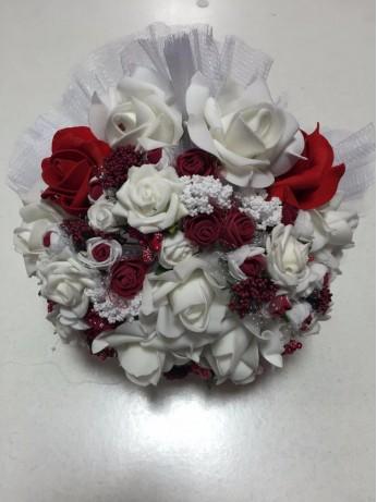 Букет с червени рози