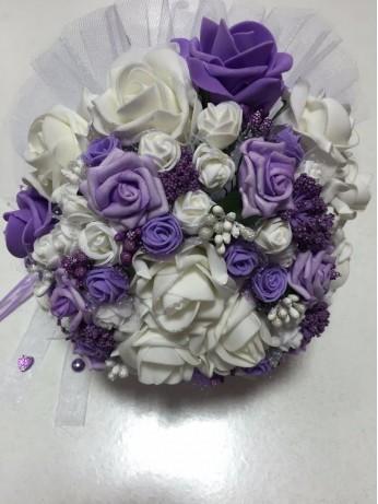 Булчински букет в лилаво
