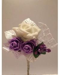 Бутониера с рози
