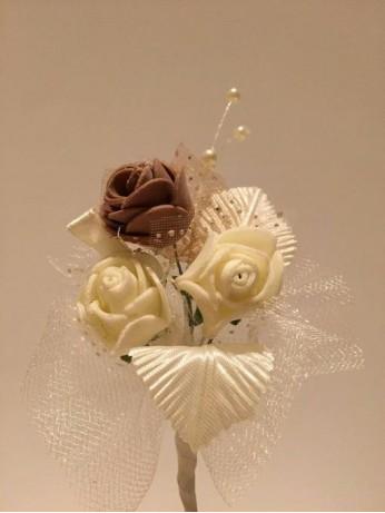 Лукс бутониера с роза капучино цвят