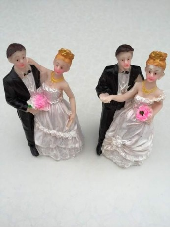 Фигурка на Младоженци