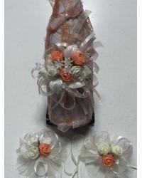 Украсено сватбено шампанско с рози