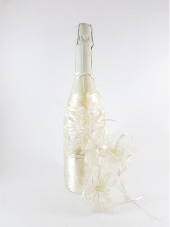 Стилно украсено шампанско модел 3