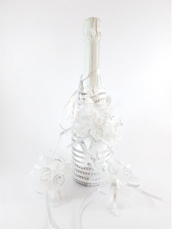 Приказно украсено шампанско модел 1