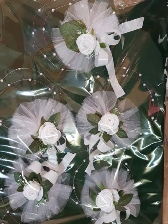 Сватбена украса за кола с рози